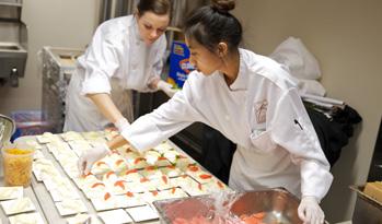 Kaspara' kitchen in action